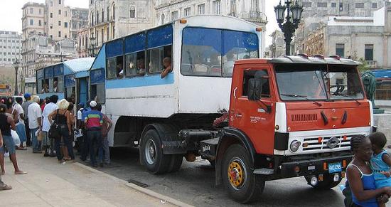 Transporte alternativo y provisión de comida - Foto: MagicOlf - Flickr